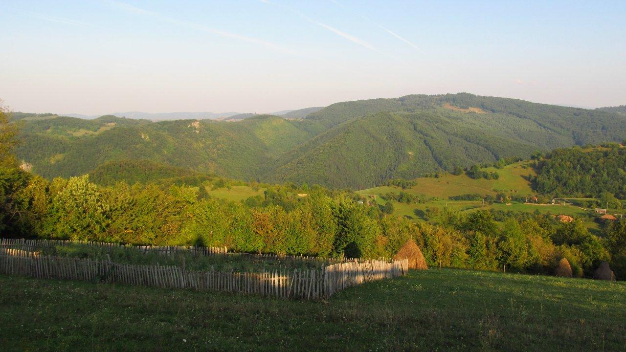 Az Erdődámos(Damis) melletti Körösponor dombjai