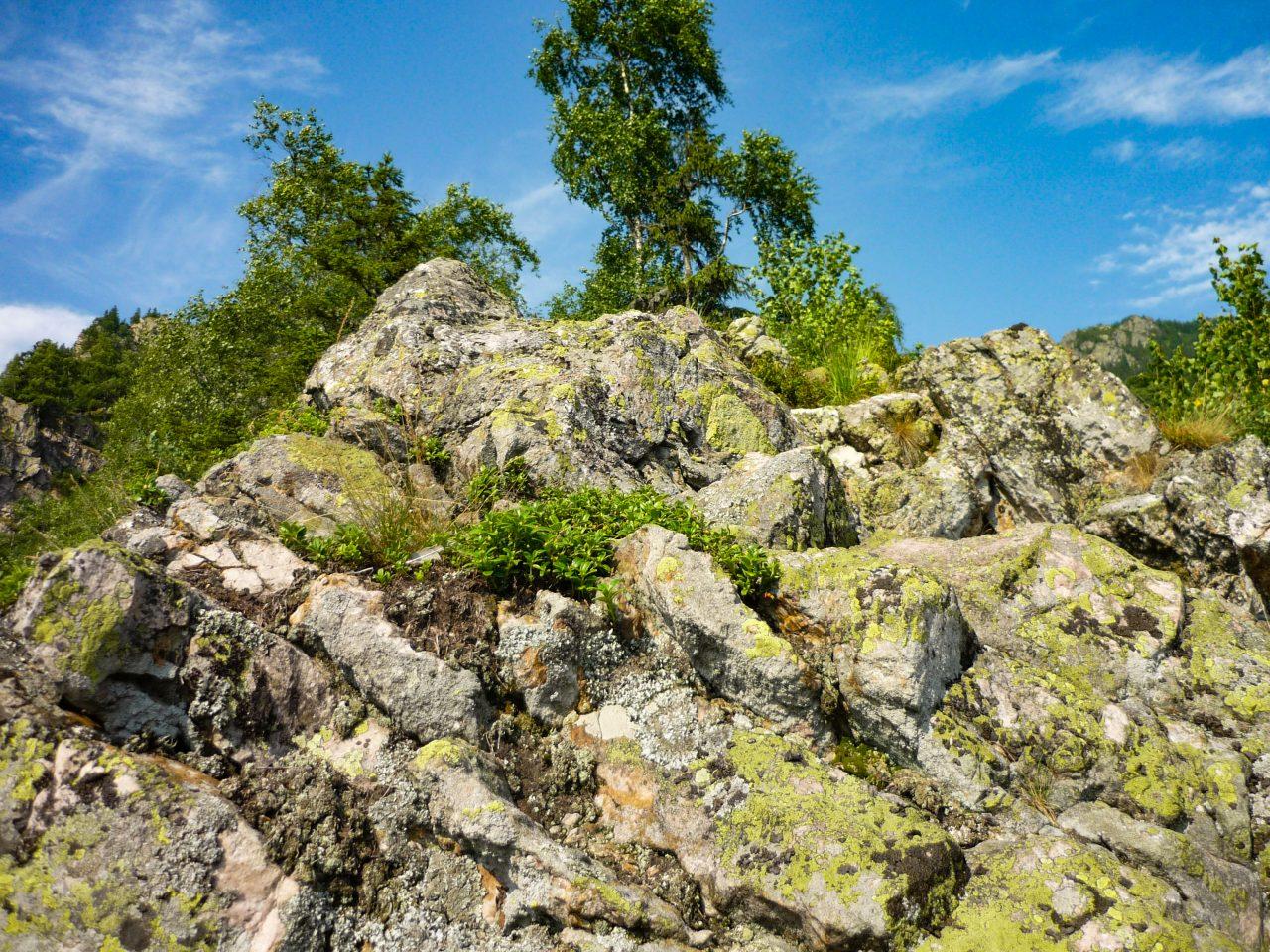 A hatalmas sziklafalak legyőzése után egyre közelebb kerülök célhoz