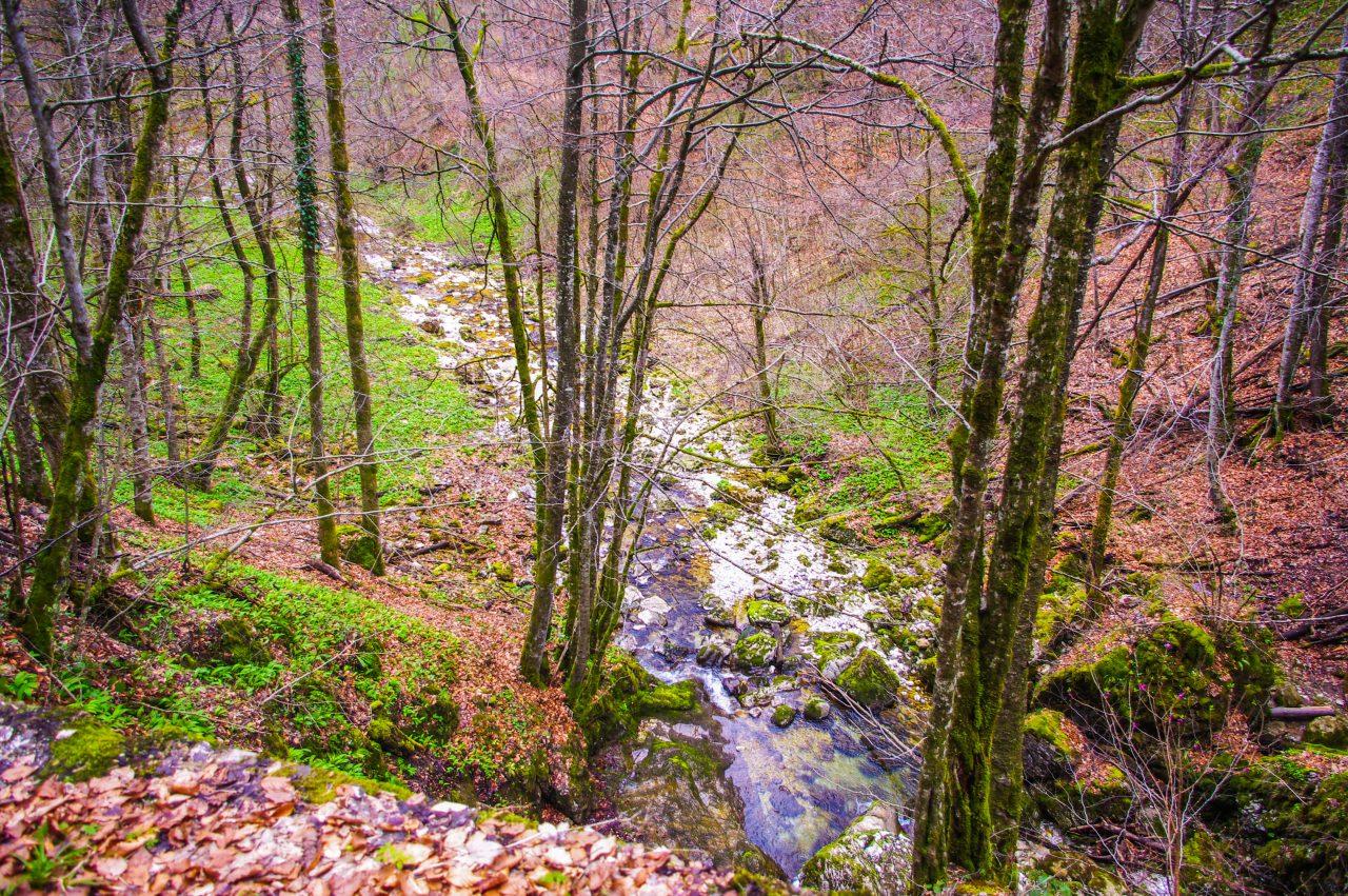 A kanyonokat és szurdokokat létrehozó patak