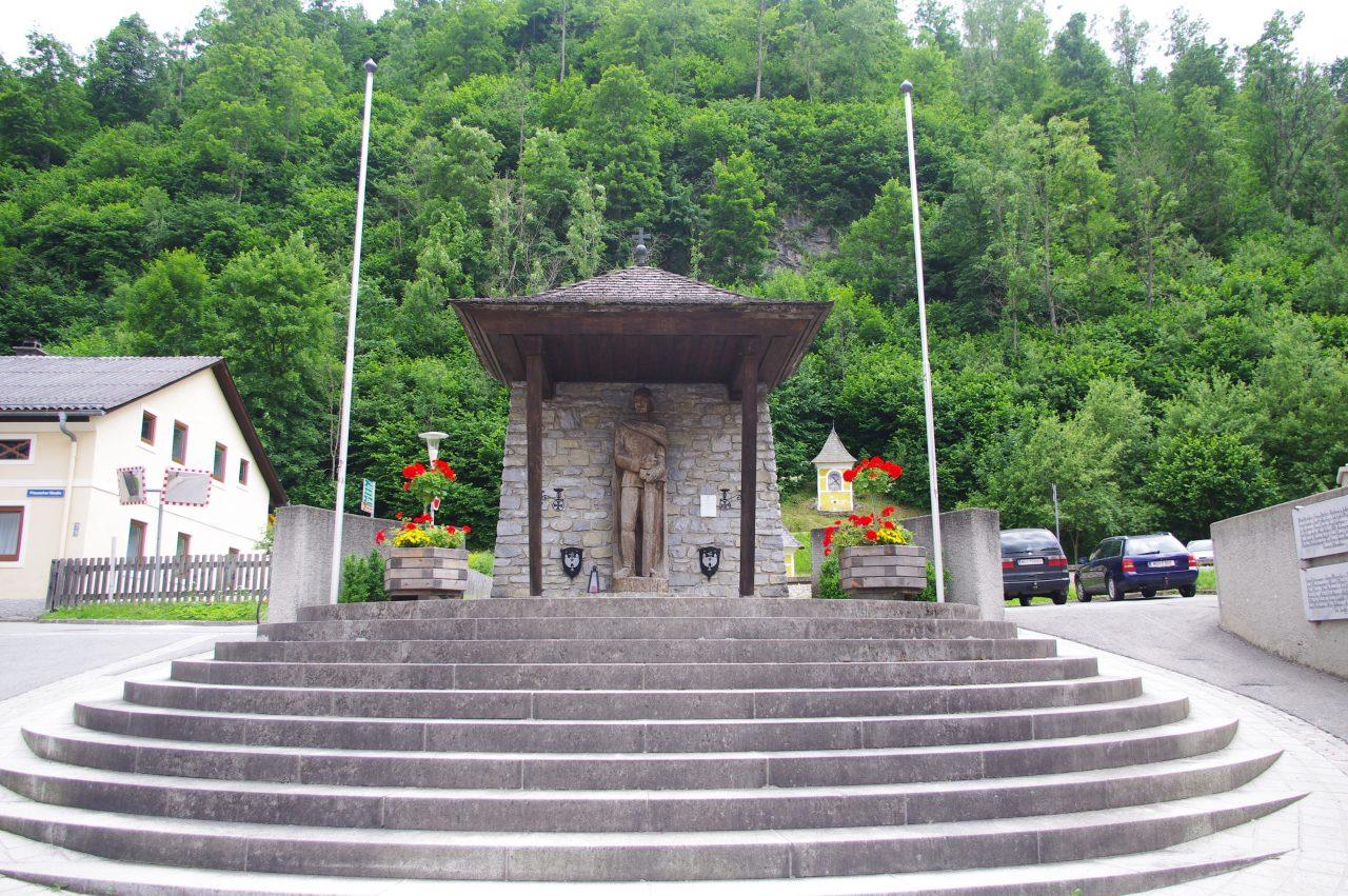 Kriegerdenkmal emlékmű