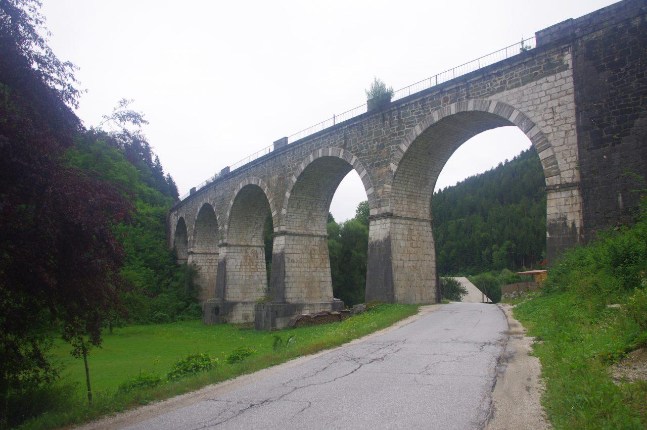 Mezica-i vasúti híd