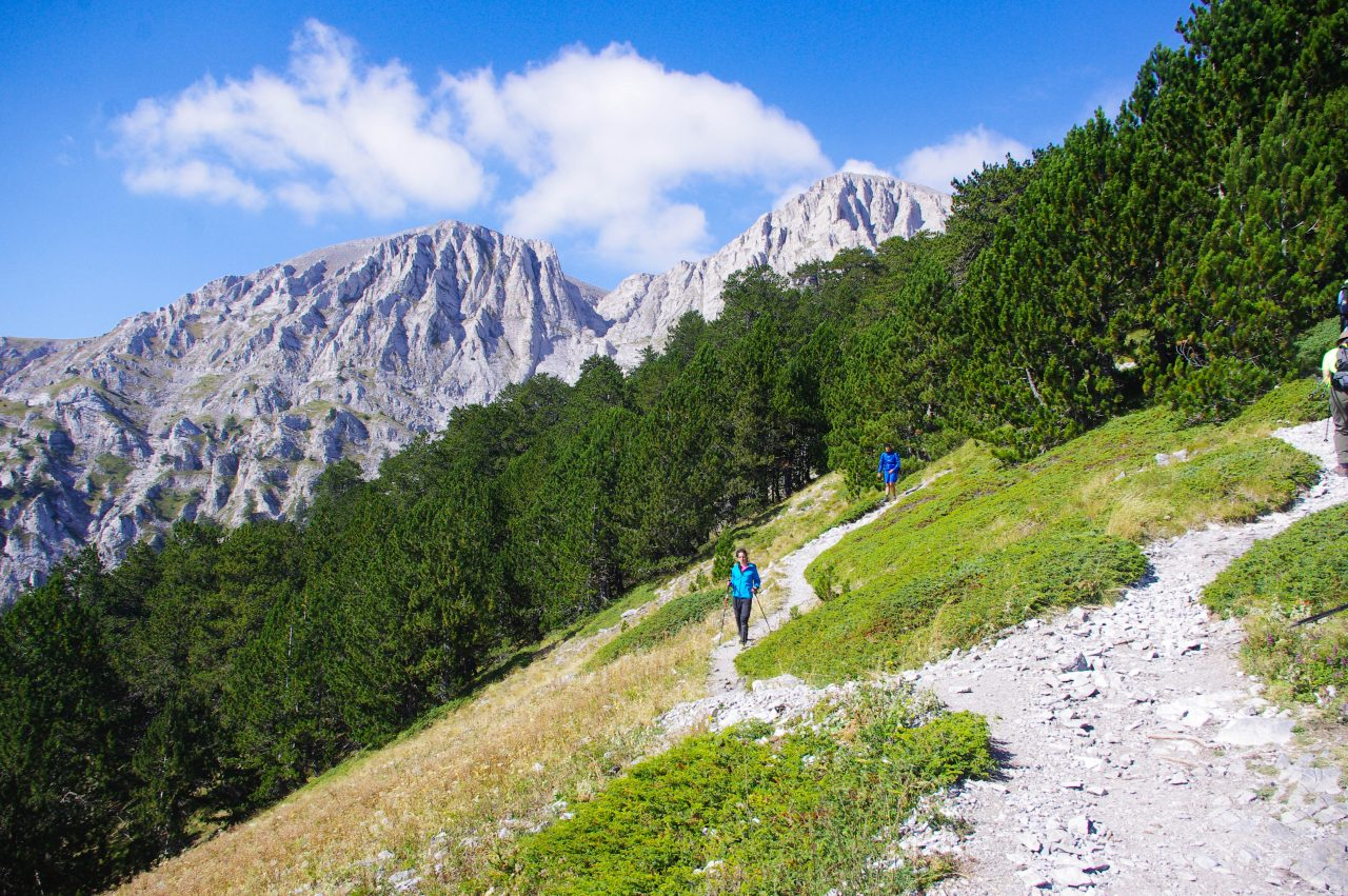 Háttérben a Skala és a Skolio csúcs 2866m illetve 2911 méteren